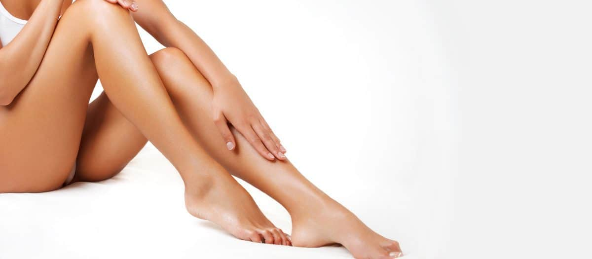 women's legs with no spider vein blemishes